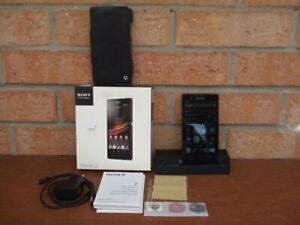 Telephone portable Sony Xperia Z coque noire en boite