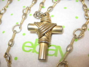 VINTAGE Super Heavy Well Made CROSS PENDANT CHUNKY CHAIN GOLD TONE METAL 32""