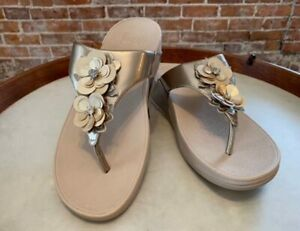 FitFlop Champagne Gold Patent Lulu Flower Thong Comfort Sandal 9 41 New