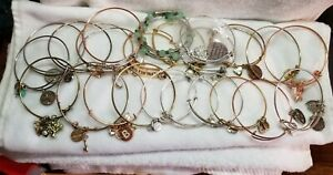 Alex and Ani & others expandable, Gold Bangle, Bracelets lot of 24 as is . Lot 4