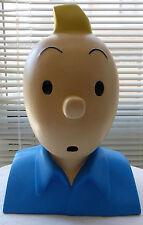 Buste de Tintin : moulage  récent en plâtre non estampillé.