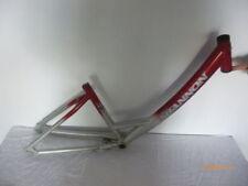 Cadres de vélo rouge