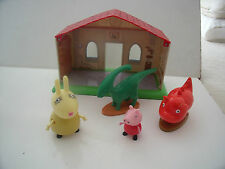 PEPPA PIG MUSEUM WITH 2 DINOSAUR FIGURES & MRS RABBIT & PEPPA   - LOTS