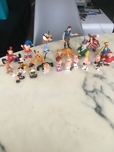 LOT 20 FIGURINES DISNEY BULLY PINOCCHIO BULLYLAND MICKEY PAPO PLAYSTOY TITEUF ++