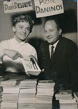 Danièle Delorme - Pierre Daninos 1953 - Actrice Écrivain Salon Livres - PR 422