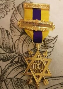 Masonic jewel 2nd degree breast jewel - Cloisters Conclave No204