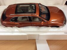 Bentley Bentayga 2016 orange flame, Kyosho 1/18, LIKE NEW IN BOX