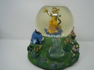 Winnie the Pooh Tigger The Rain Came Down Glass Snowglobe Disney eeyore piglet