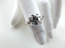Damenring besetzt mit 1 Diamant Kissen von 3,13 ct in Platin