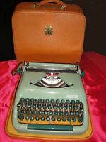 Alte Koffer-Schreibmaschine ERIKA rein Mechanisch Germany TOP-Zustand