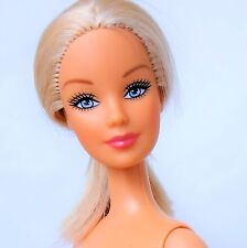 Barbie Doll Blonde Blue eyes Belly button Model Bendable legs Fashion Fever Nude