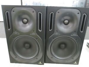 PAIRS  Behringer Truth B2031 P High-Resolution Reference Studio Monitors. TESTED