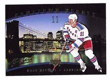 2005-06 Upper Deck Hometown Heroes Mark Messier