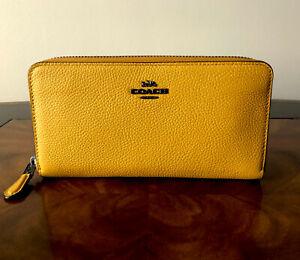 NWT Coach Dark Mustard Pebbled Leather Phone Zip Around Accordion Wallet $225