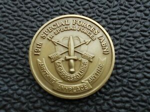 19th Special Forces  (ABN)        1st Special Forces Challenge Coin