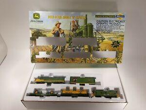 JOHN DEERE MODEL B EXPRESS HO Train Set Athearn Description