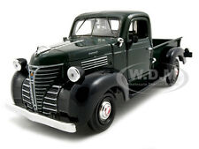 Issue 1941 PLYMOUTH PICKUP GREEN 1:24 DIECAST MODEL CAR BY MOTORMAX 73278
