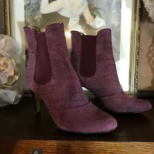 JOAN AND DAVID LUXE DARK MAUVE HEELED BOOTIES SIZE 9M STYLE HAGELE