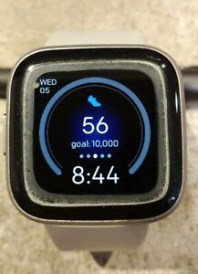 Fitbit Versa 2 Activity Tracker gray/ silver