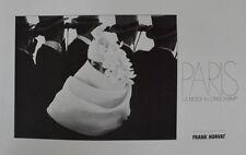 Frank Horvat Parigi, la mode a Longchamp poster immagine stampa d'arte 40,3x65,5cm