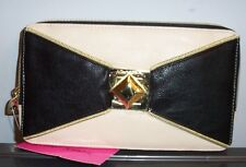 NWT BETSEY JOHNSON ZIP CLUTCH BOW   *BLACK*    SO SO CUTE!