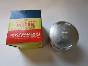 KAWASAKI KZ 650 B STD PISTON  NEW OLD STOCK 13001-080