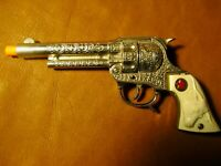 Vintage Texas Jr. Toy Cap Gun by Hubley Die-Cast push button near mint condition