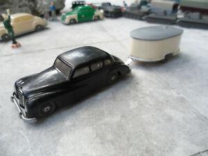 Siku Mercedes 300 1:60 schwarz + Wohnwagen mit Aufstelldach graue Reifen