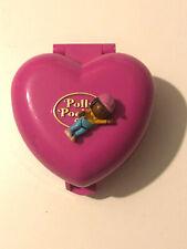 Polly Pocket mini Spieldose pink Herz Hunde Wohnhaus 1 Figur Bluebird