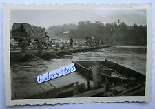 Foto mit Warthe Behelfsbrücke und LKW.