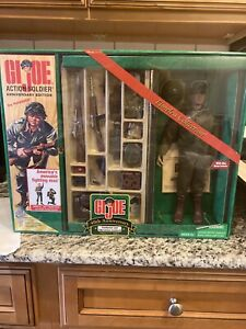 Gi Joe Timeless Collection 40th anniversary Footlocker and 1964 action soldier