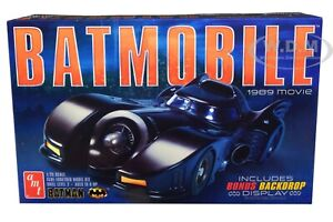 SKILL 2 MODEL KIT BATMOBILE BATMAN 1989 MOVIE W/BACKDROP DISPLAY 1/25 AMT AMT935