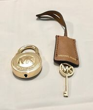 MICHAEL KORS LOGO GOLD LARGE LOCK & KEY HANDBAG CHARM SET  GOLD/LUGGAGE  NWOT