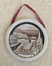 "A 5.5"" WIDE x 0.5"" DEEP BEIGE/BROWN MOULDED, EDINBURGH CASTLE VIEW WALL-HANGING"