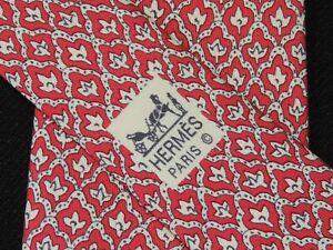 "HERMES MEN'S TIE RED, IVORY/FLORAL W: 3.5/8"" L: 57""  7701 0A"