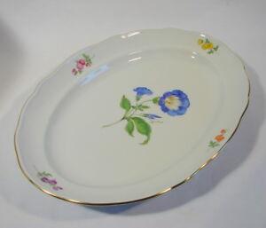 Meissen Porzellan ovale Platte L 41 cm Bunte Blume blaue Blume Goldrand 2. Wahl