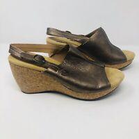 Clarks Womens Size 10M Peep Toe Slingback Wedges Sandals Bronze Gold Cork S3