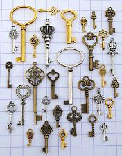 40 Antique Vtg Skeleton Key Lot Pendant Steampunk Jewelry Making Charm 657