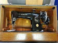 Vintage Singer Sewing Machine with Box (CC632)