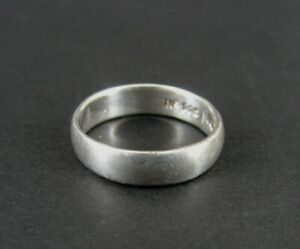Ring Silver Band Smooth Sleek Design Sterling 925 Band Size 7