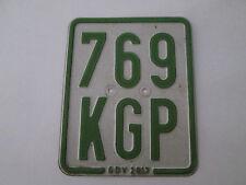 SCUDO CICLOMOTORE verde scudo in lamiera 10,5 CM x 13 cm non valida/scaduto da 2013