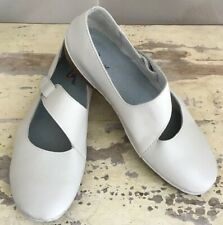 Propet Womens Flats  11 Med  Casual Leather Mary Jane Taupe Shoes Comfort W07110