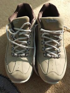 Mens sketchers trainers size 8