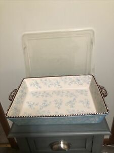 Temptations Floral Lace Cake Pan w/lid Used A Couple Of Times 13x9 4 Quart
