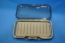 Fliegenbox Springdeckel Box öffnet auf Knopfdruck Triangelfoam