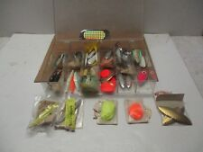 VINTAGE TACKLE LOT ** THERE ARE ALOT  ** <>< ** <>< ** <>< **