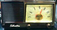 VINTAGE SEARS SILVERTONE BAKELITE TUBE RADIO CAT NO. 3004 - RESTORED & RECAPPED