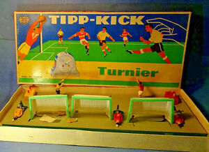 "1962""TIPP-KICK-TURNIER"" Germany MIEG-Schwenningen 5 Figuren 3 Tore Spielfeld RAR"