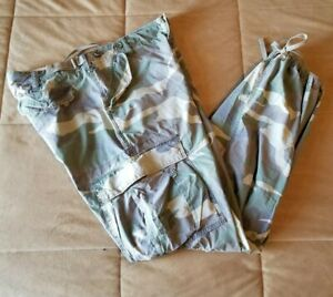 Abercrombie &  Fitch Women's Camouflage pants