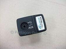 New Genuine Fiat 500 Panda Punto Blue And Me USB Media AUX Socket 735547937